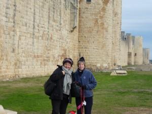 Gudrun and Karen in Aigues-Mortes